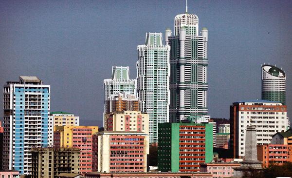 평양-평양 시내 빌딩 숲.jpg