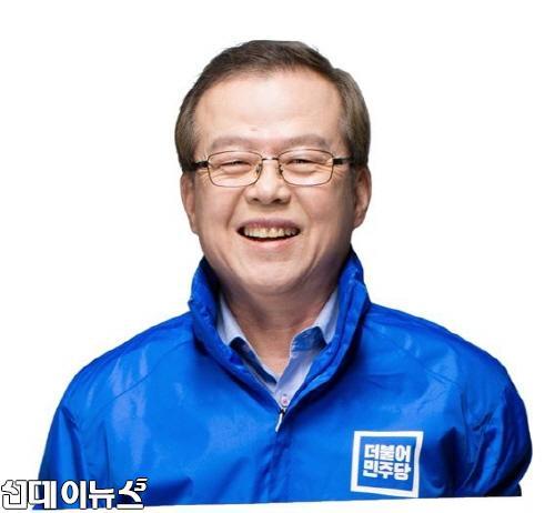 크기변환_홍후보 증명사진.jpg