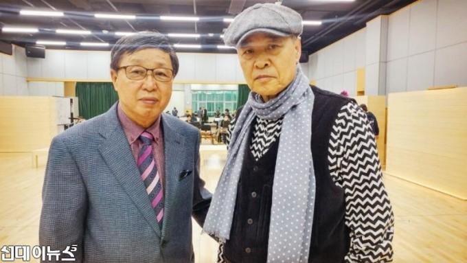 서울 장충동 국립극장 연습실에서- 손진책 연출 님과 필자.jpg