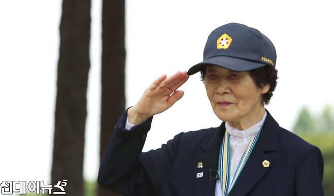 한국전쟁-참전한 간호장교 박옥선 대위.jpg