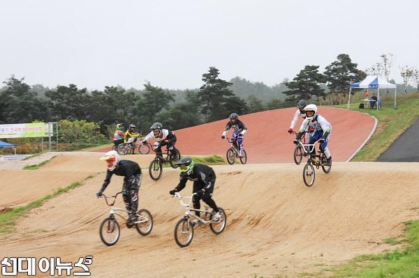 자전거 BMX대회.jpg