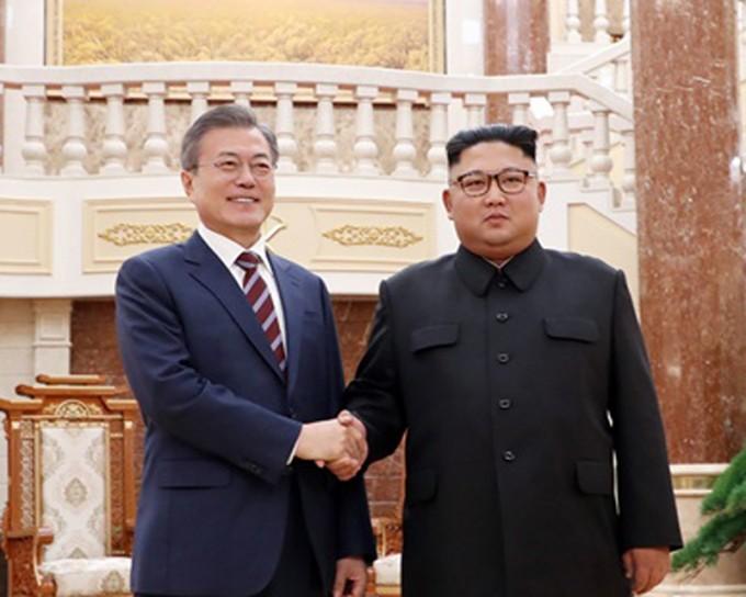 평양 조선로동당 중앙 당사 로비-2018.9.18..jpg