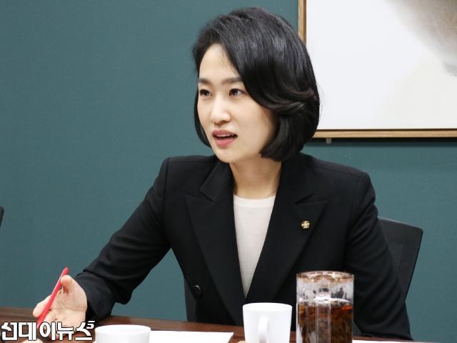 김수민8000.jpg