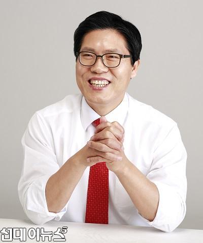 송석준 의원 프로필 사진_13333.jpg