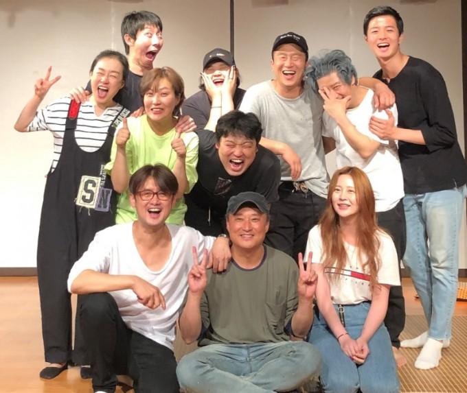 연극3일 단체사진.jpg