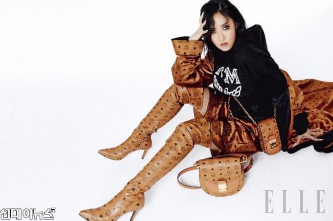 [이미지1] 가수 화사, 힙스터 패션으로 강렬한 카리스마 연출.jpg