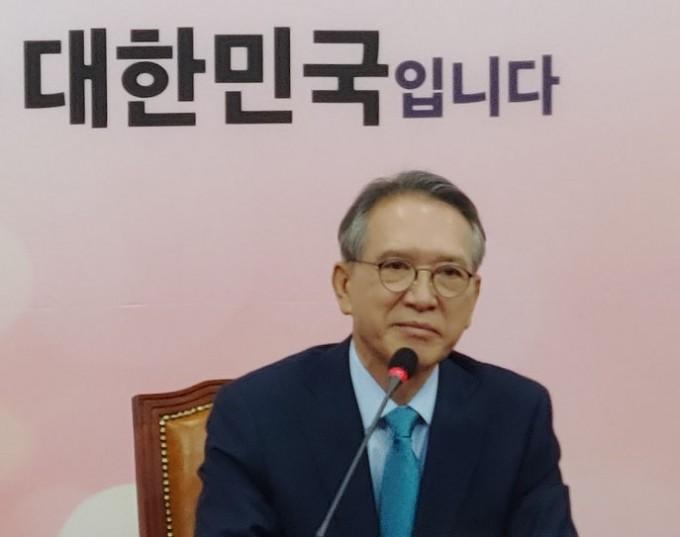 자유한국당-공관위원회-위원장으로-임명된-김형오-전-의장.-2020.1.17.jpg