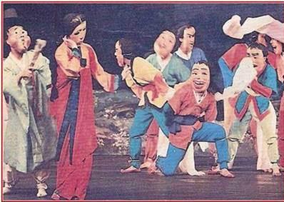 봉산탈춤-봉산탈놀이-사진-북한-월간-조선.jpg