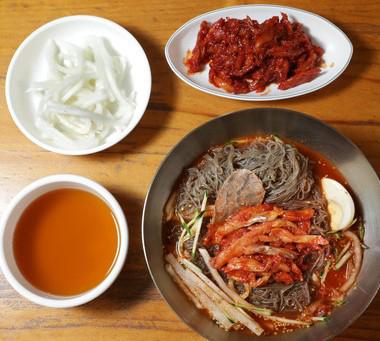 남한-함흥냉면-사진-함흠냉면옥.jpg