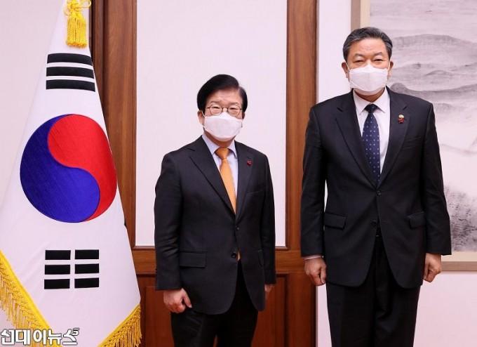 박병석 국회의장, 황기철 국가보훈처장 예방 받아11111111.jpg