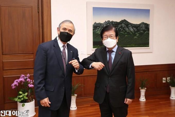 박병석 국회의장, 해리스 주한미국대사 이임 예방 받아111111111.jpg