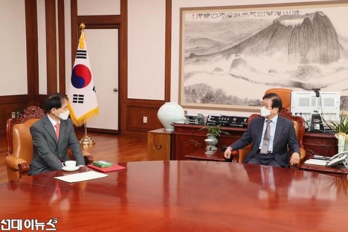 박병석 국회의장, 이광형 신임 KAIST 총장 예방 받아2222.jpg