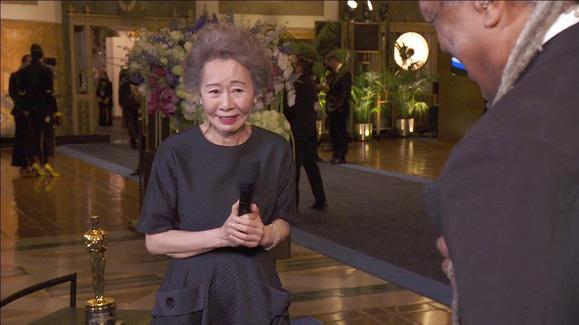 Yuh-Jung-Youn-[Oscars]-Winner-Interview-Oscars-2021.jpg