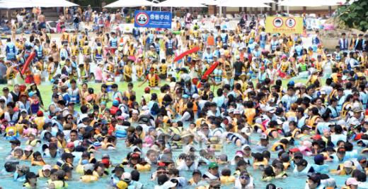 폭염-속의-해수욕장-풍경.jpg