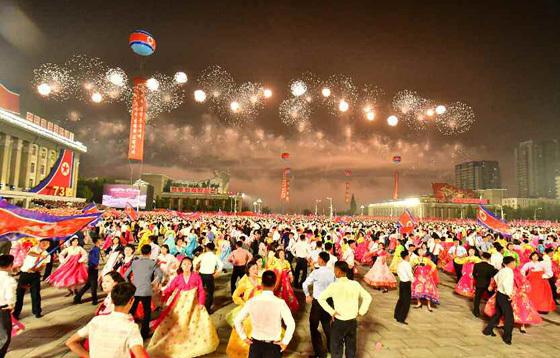 북한-99절-열병식-행사.-2021.09.09.-사진,로동신문.jpg