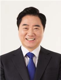 """이석현 의원,""""탈북자 감소 추세 속 중년·고령 탈북자는 증가"""""""