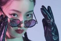 중국 배우 유웨이, 선글라스로 세련미 발산