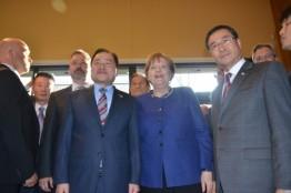 이북도민회장단, 메르켈 독일 총리 만나 환담